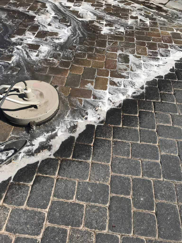 Las Vegas Pressure Washer Pros - pressure washing pavers